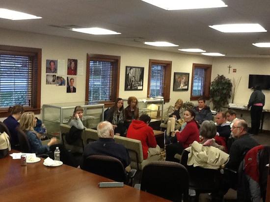 Poslanici u razgovoru na NH Institute of Politics