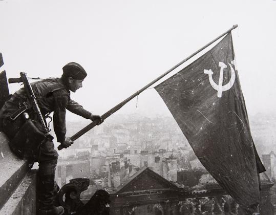 Khaldei_Yevgeny_1945_SG_1_1