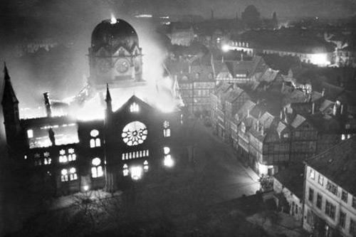 zapaljena-sinagoga
