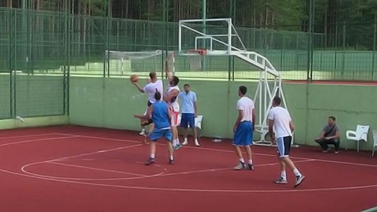 hillsUp-basket14-6