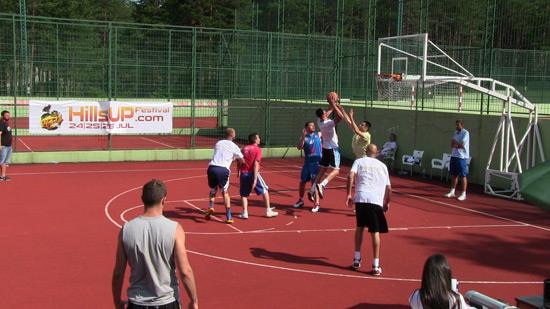 hillsUp-basket14-7