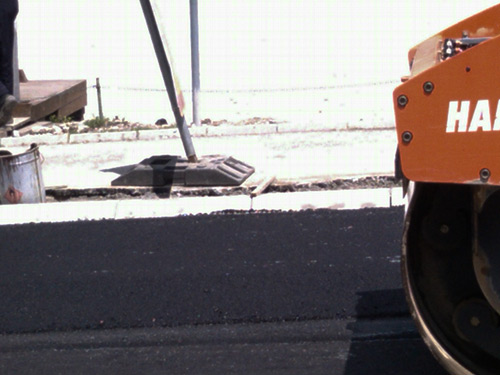Parni valjak taba asfalt